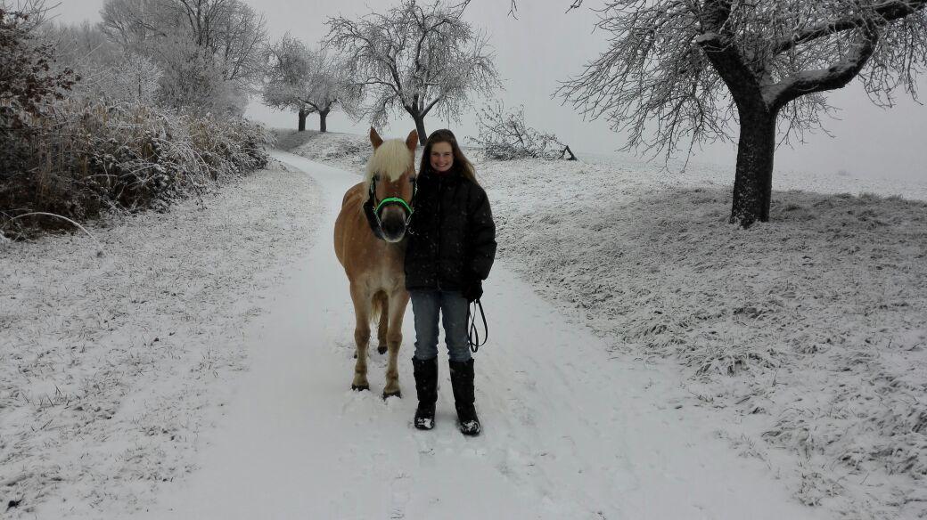 Sabrina Stelly + Livi